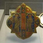 Mors de chape, L'Annonciation, Paris, deuxième quart du XIVème siècle, émail champlevé sur cuivre doré.